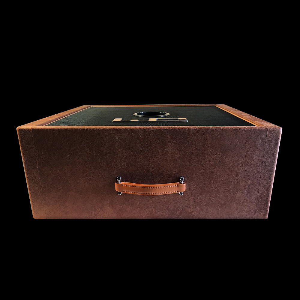 "Trunk -top view leather handle 112 1x12"" Celestion Vintage30 guitar cab custom shop handbuild high-end best exclusive leather ported miking-O professional musicians wide dispersion netherlands full range"
